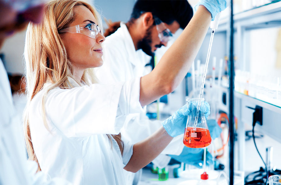 Woman in a chemistry laboratory